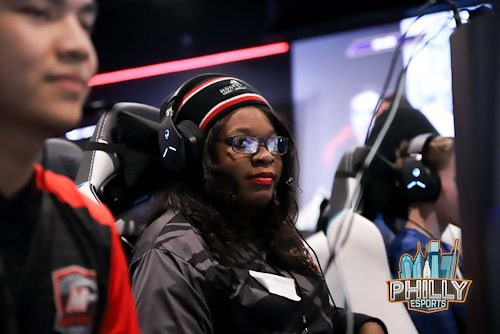 Tasia Jones competing in Mustangs eSports.
